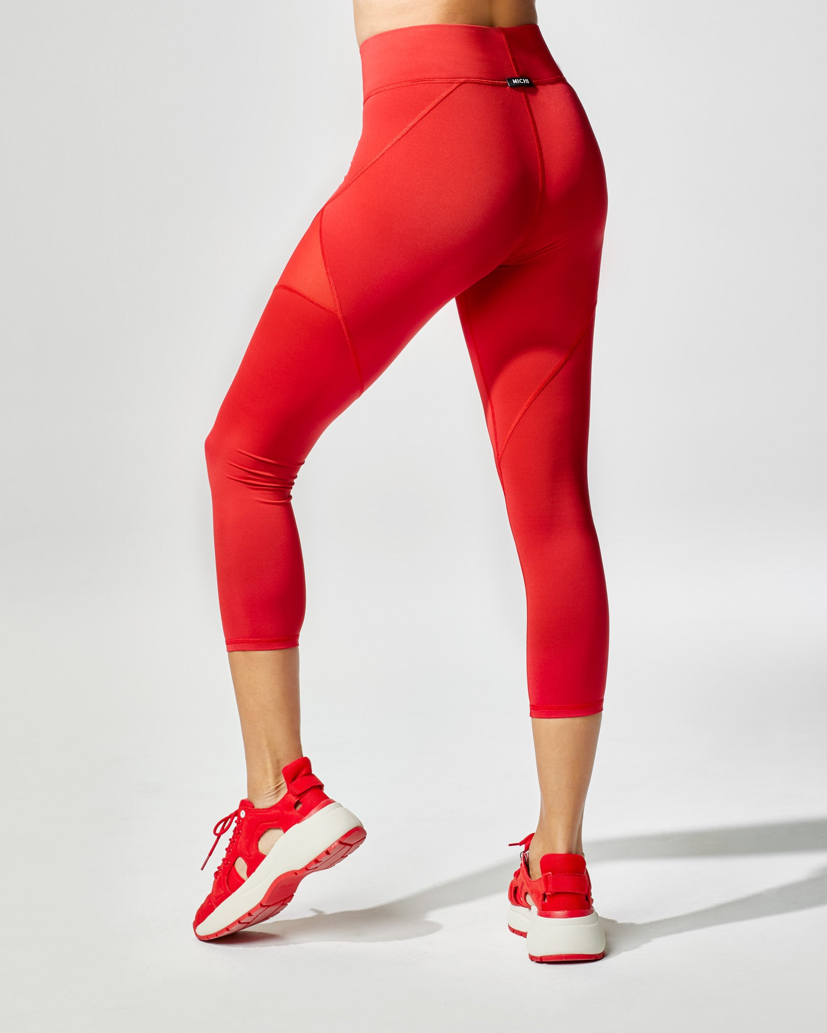 inversion-crop-legging-fire-red
