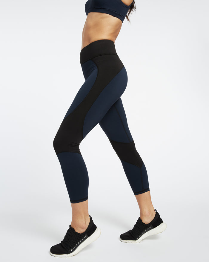 Impulse Crop Legging - Deep Sea Navy