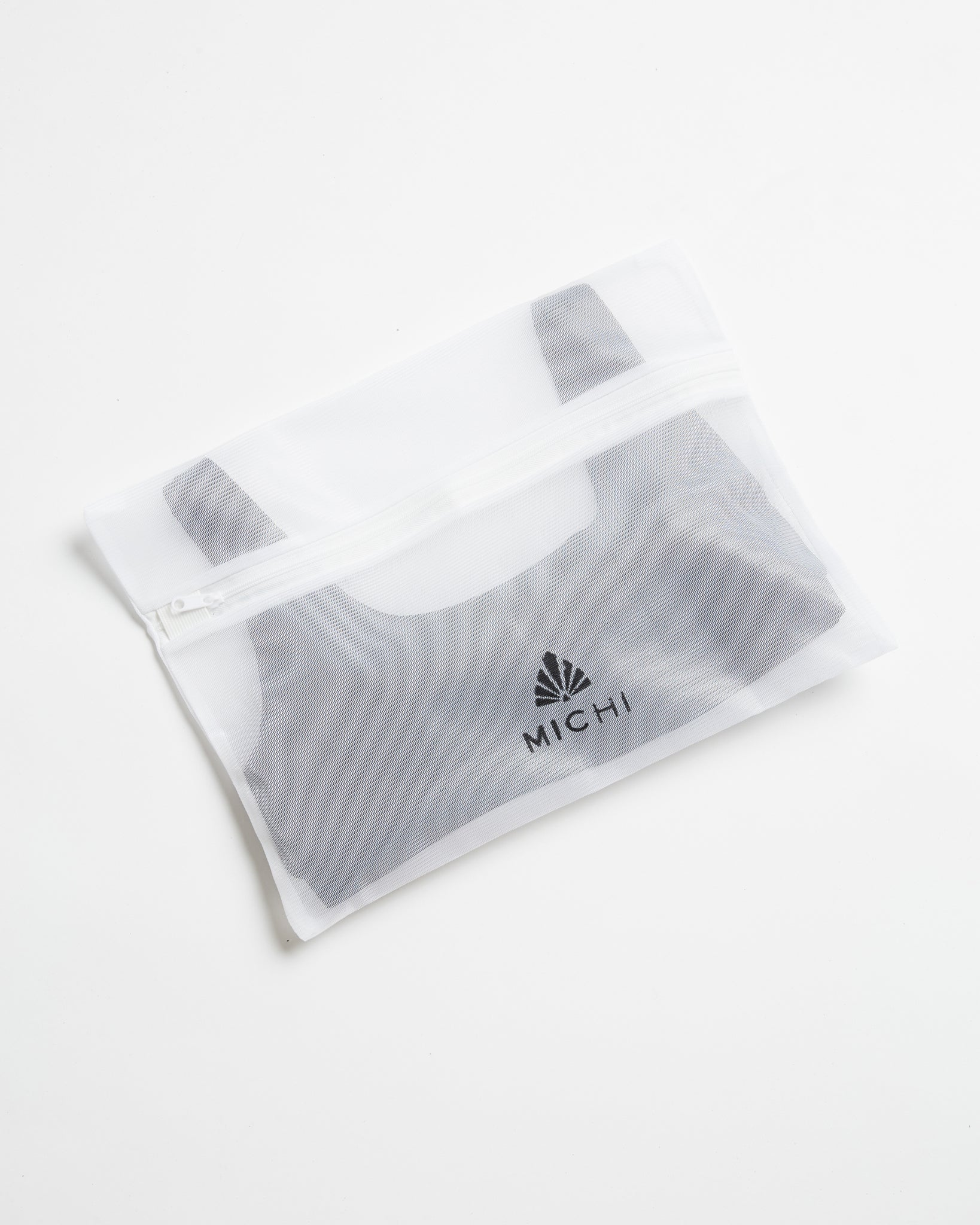 Mesh Bag w/ Zipper - White