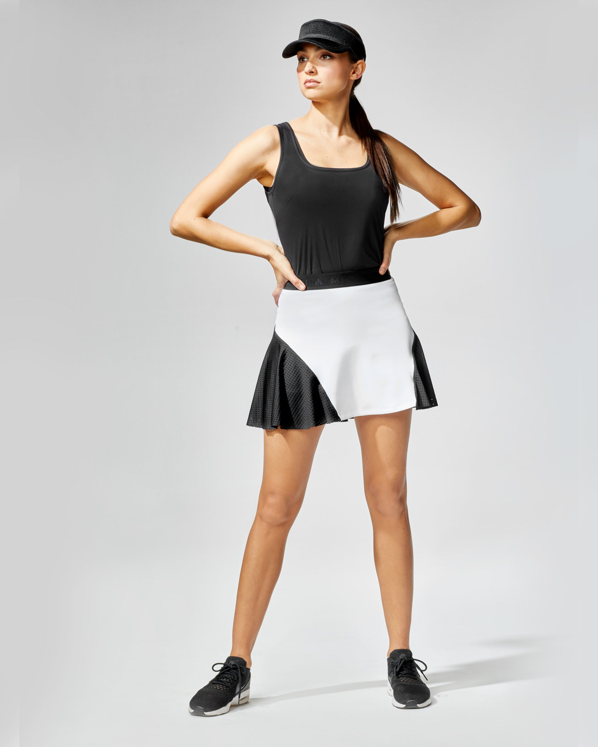 match-skirt-white-black