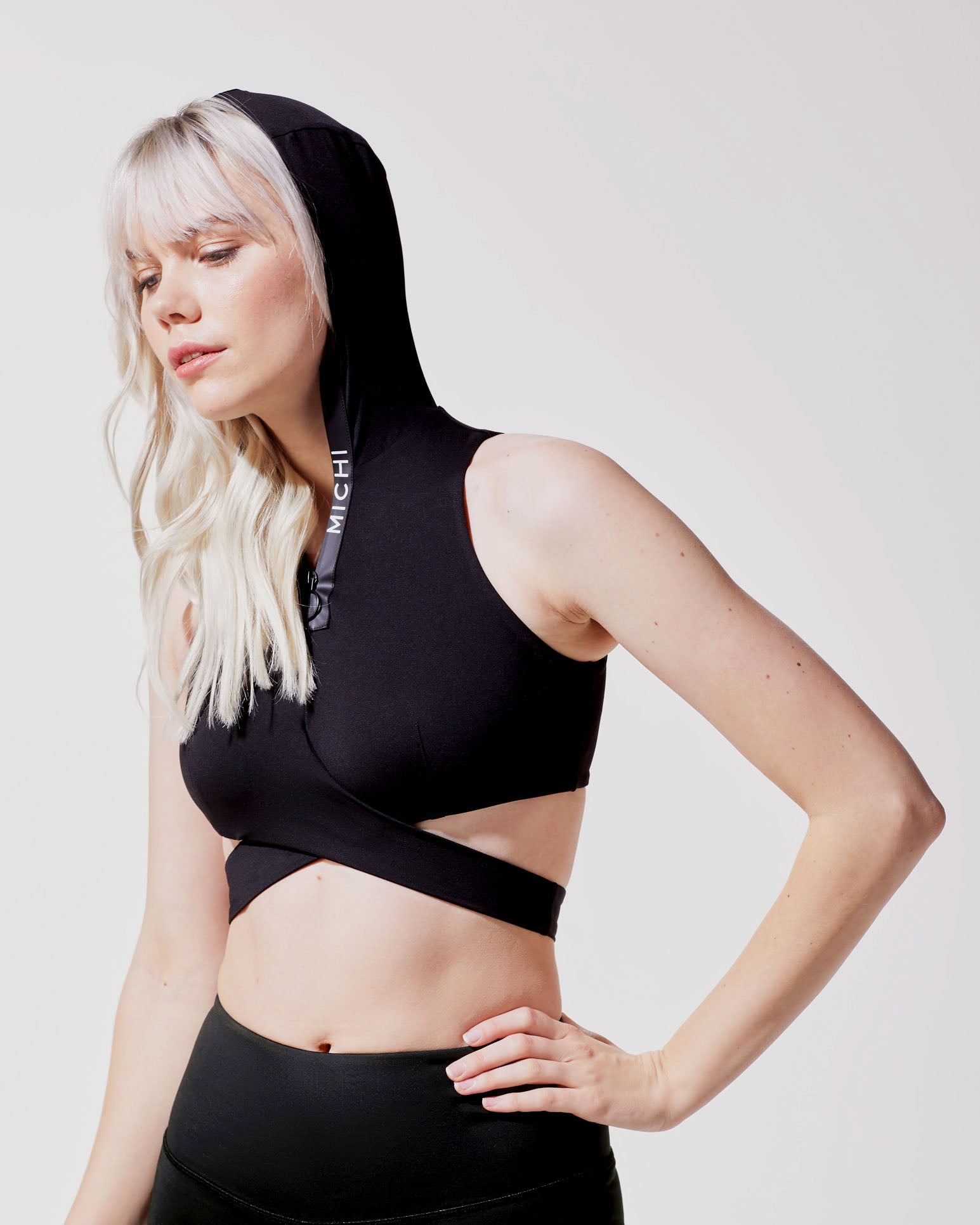 elektra-hooded-crop-top-black