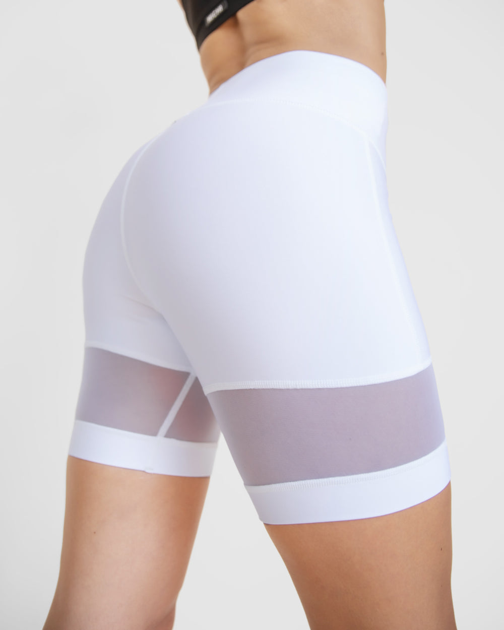 Psyloque Short - White