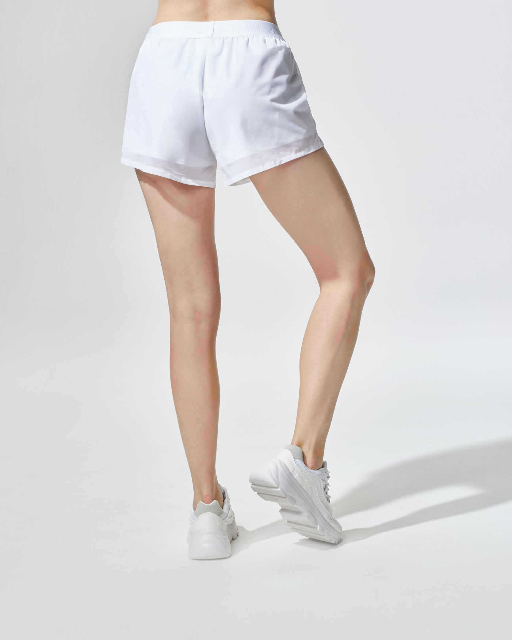 rally-short-white