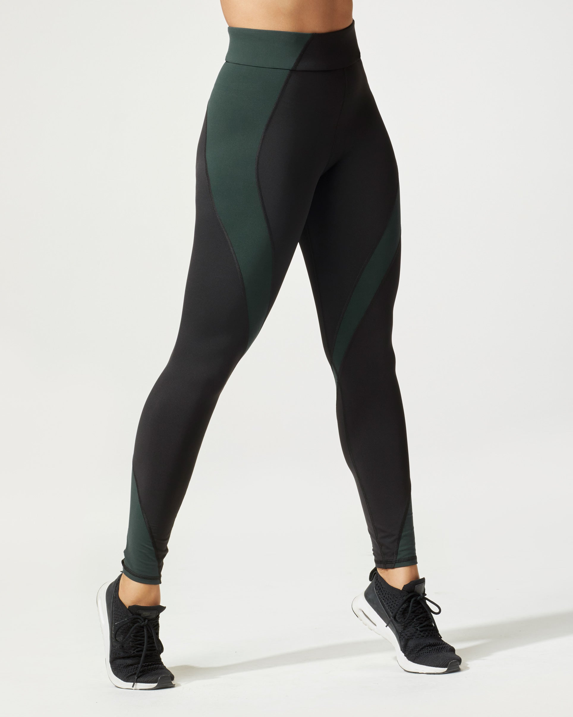 stellar-legging-black-forest