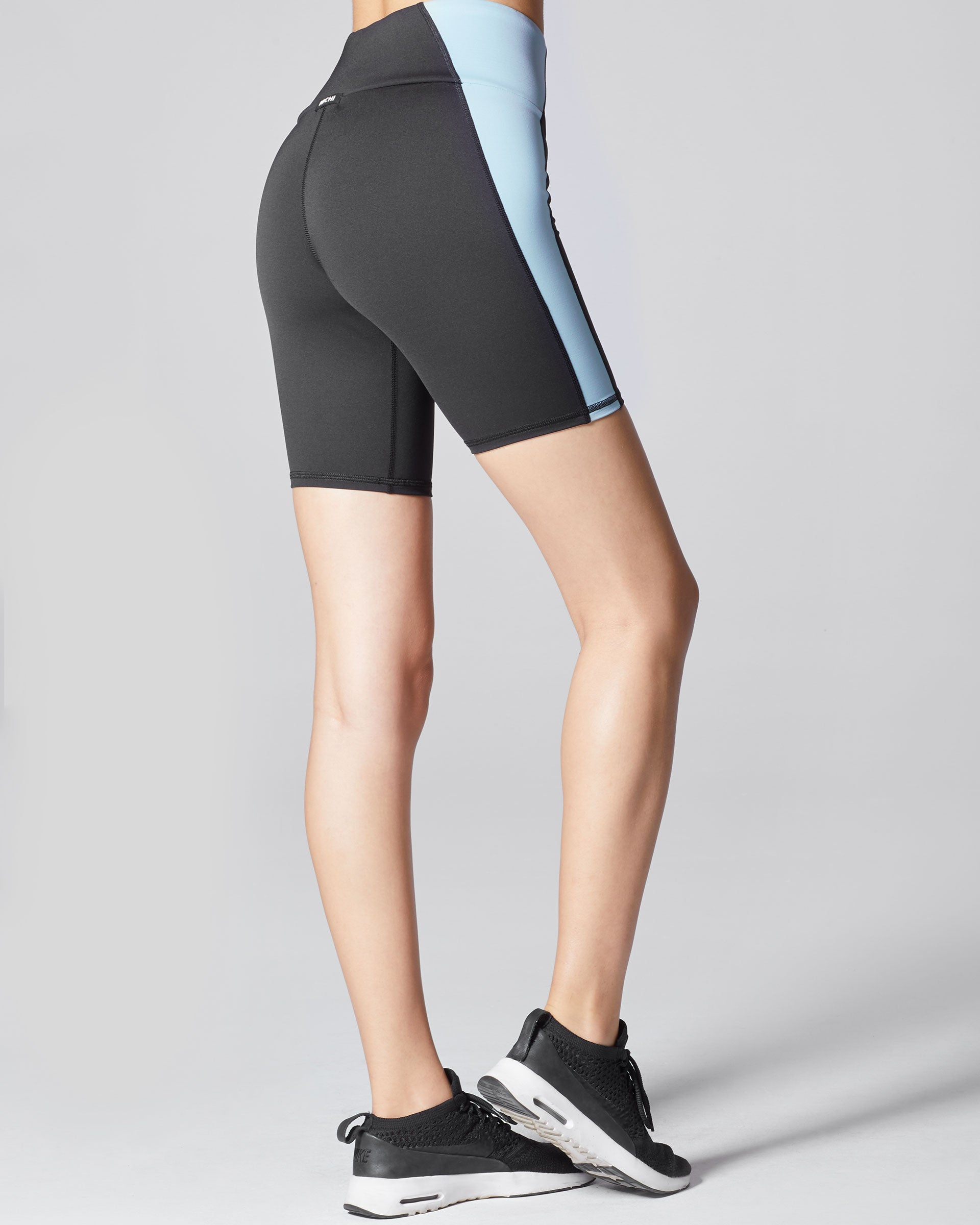 vibe-bike-short-black-sky