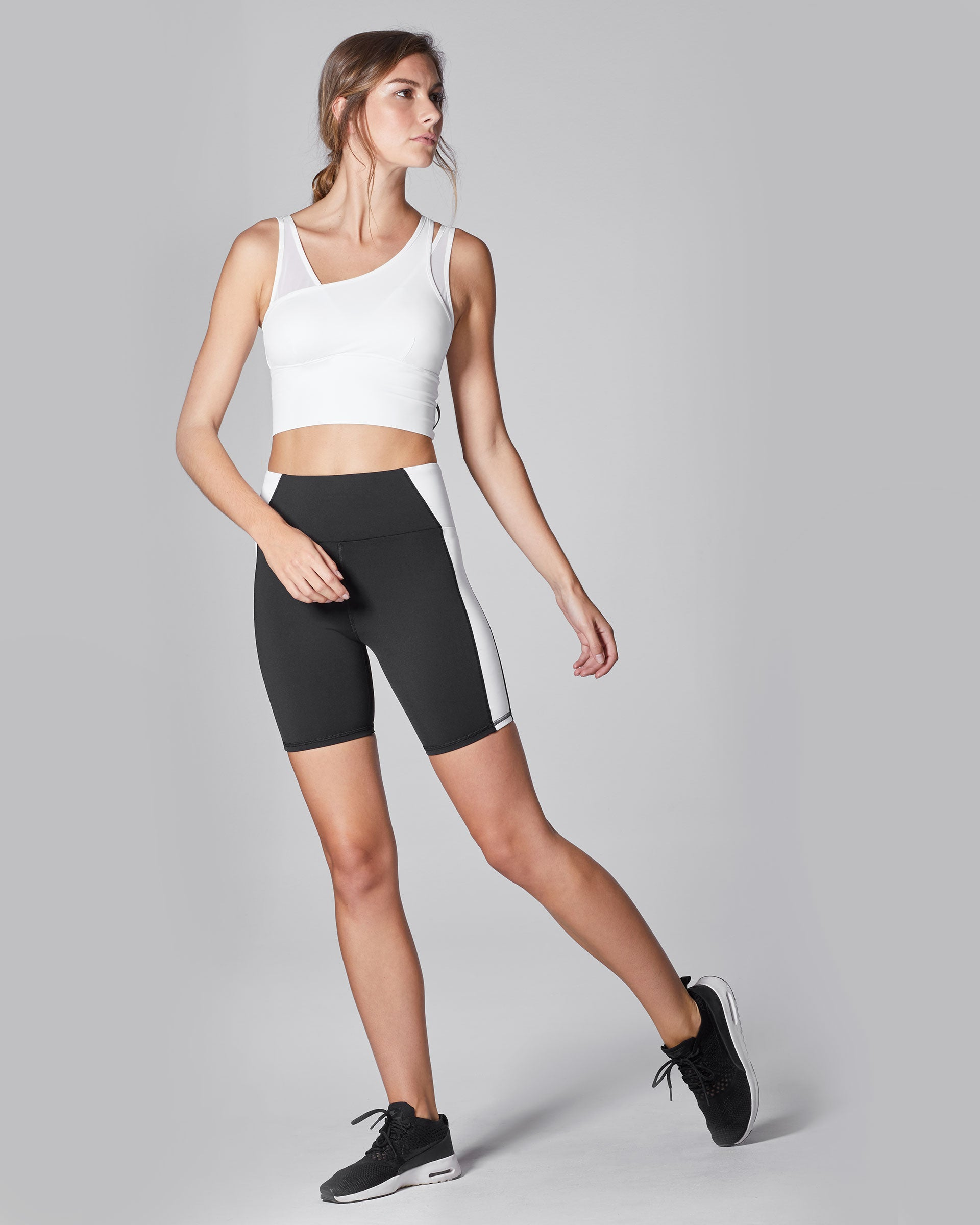 Vibe Bike Short - Black/White