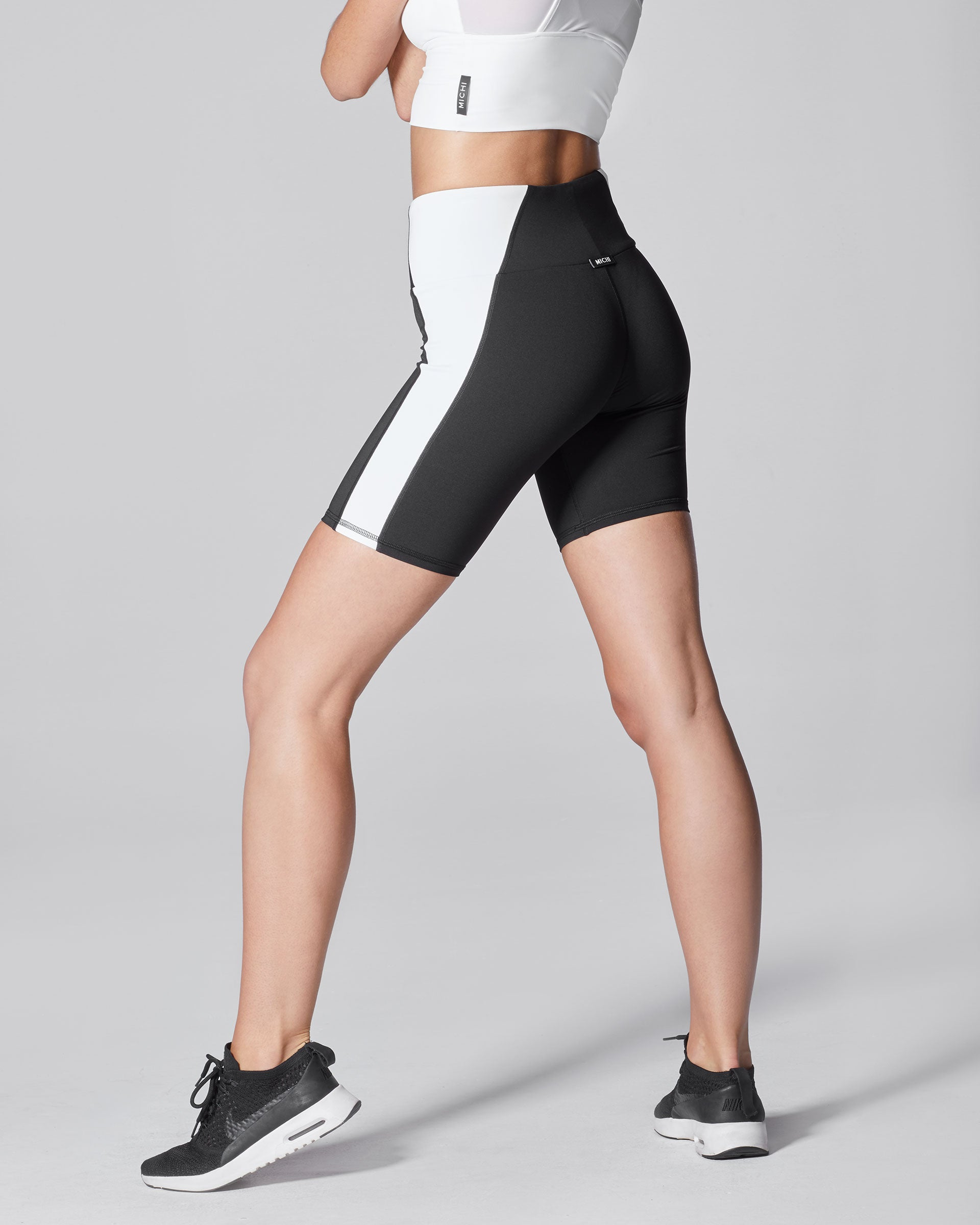 vibe-bike-short-black-white