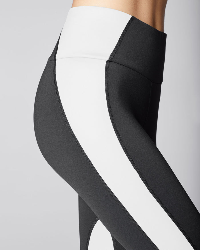 Vibe High Waisted Legging - Black/White