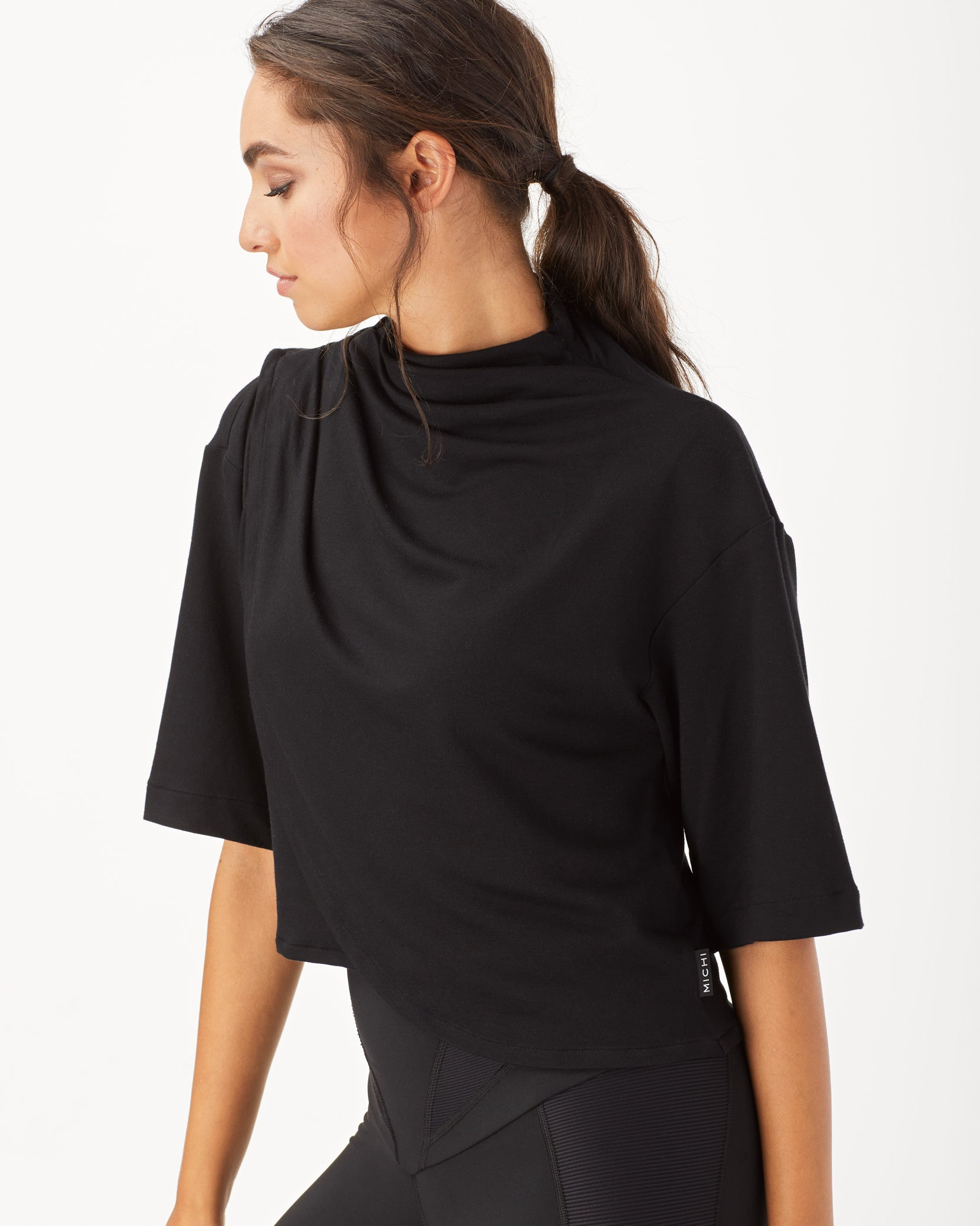 voyageur-crop-top-black