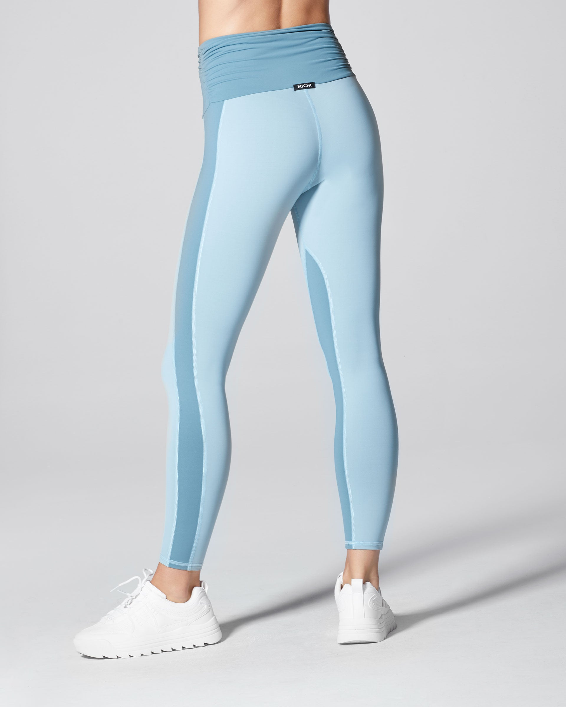 wave-high-waisted-legging-sky