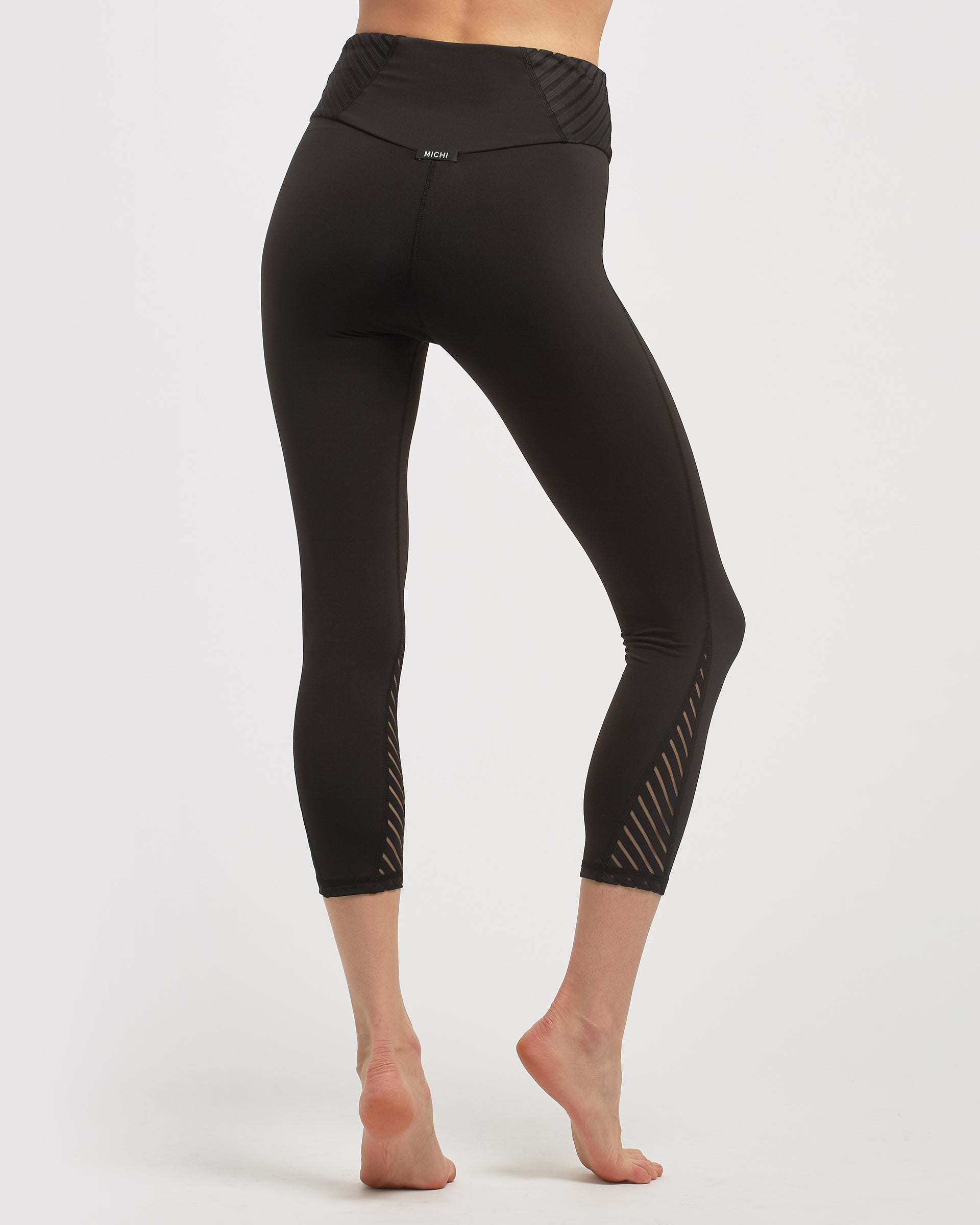 altitude-high-waisted-crop-legging-black