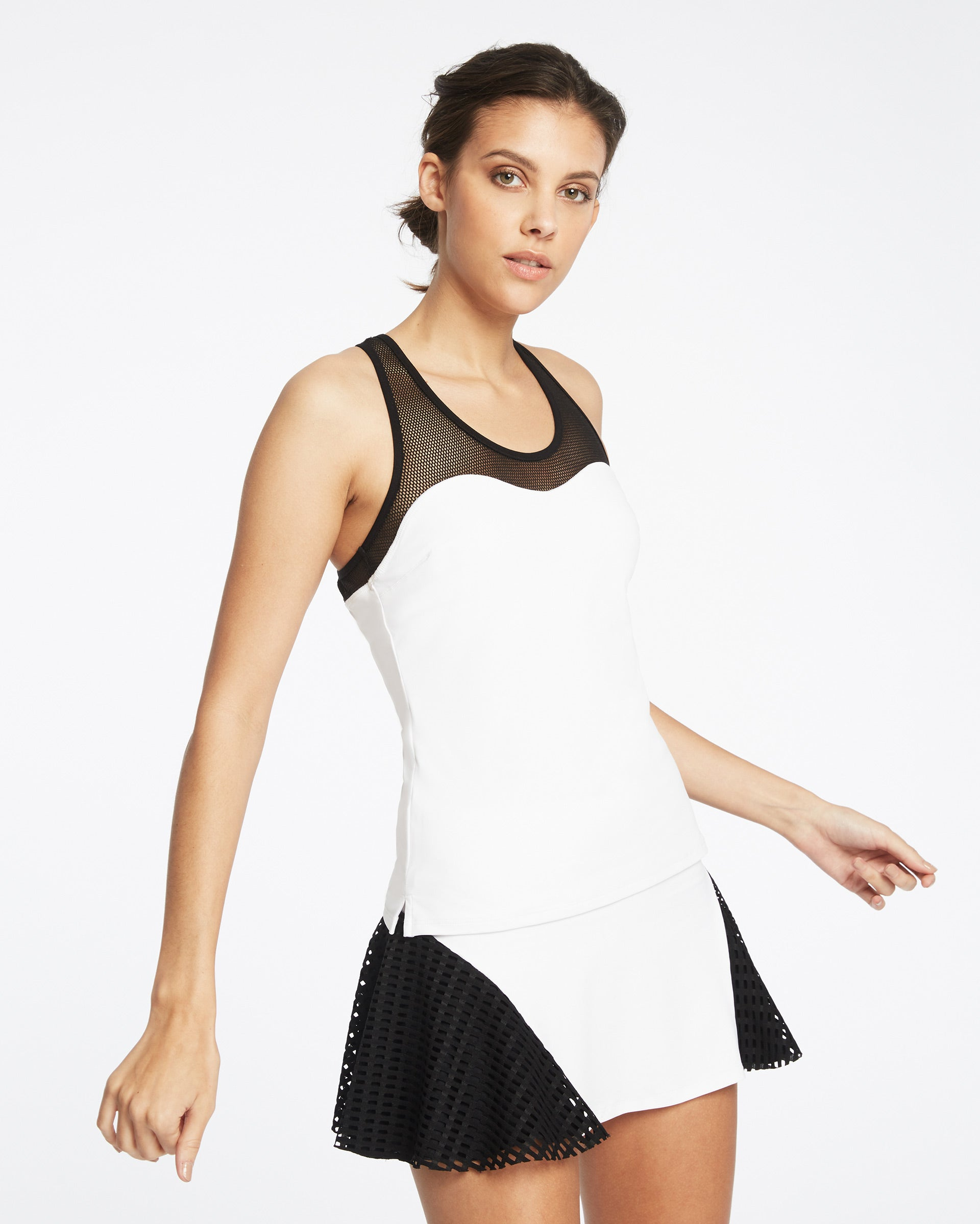 antigravity-tank-white-black