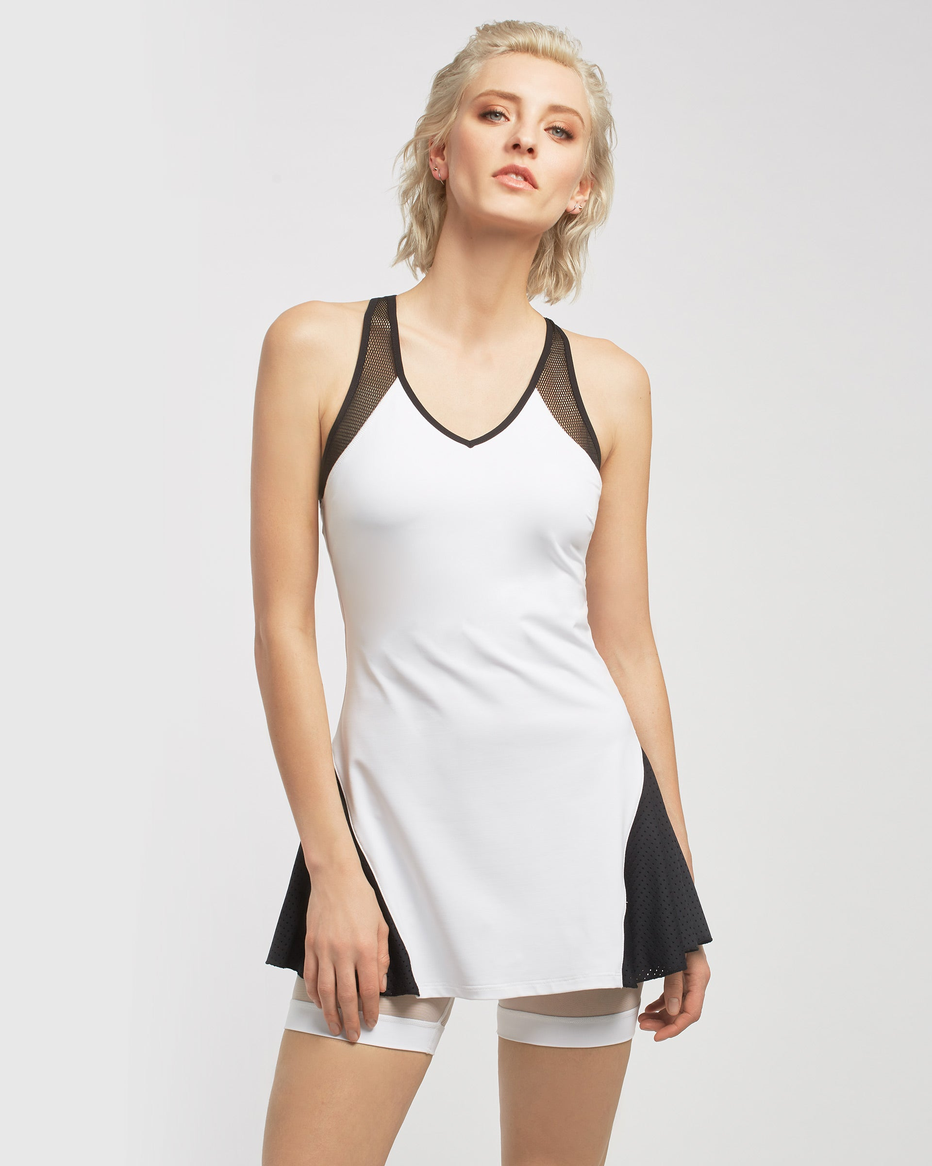 baseline-tennis-dress-white-black
