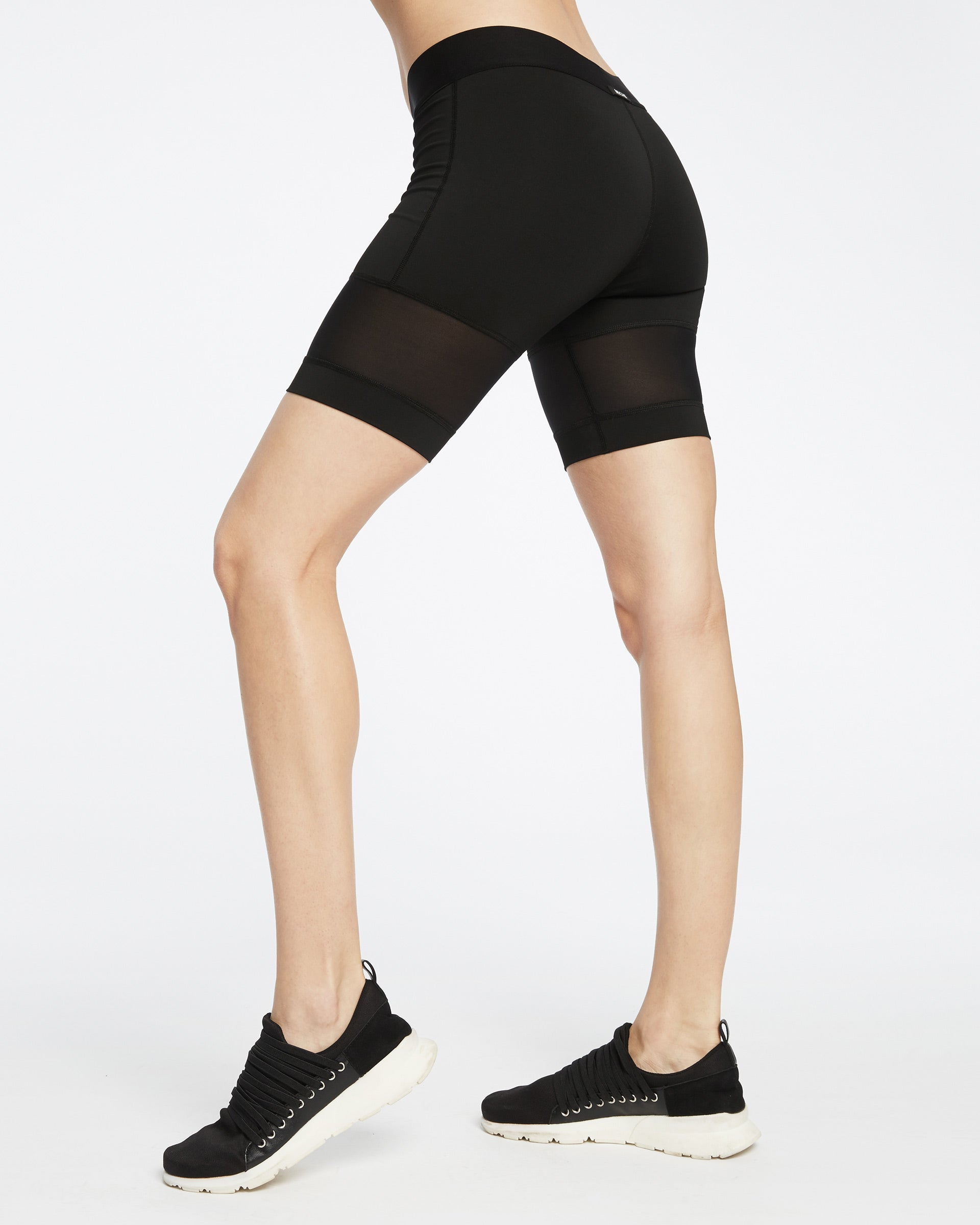 kinetic-short-black