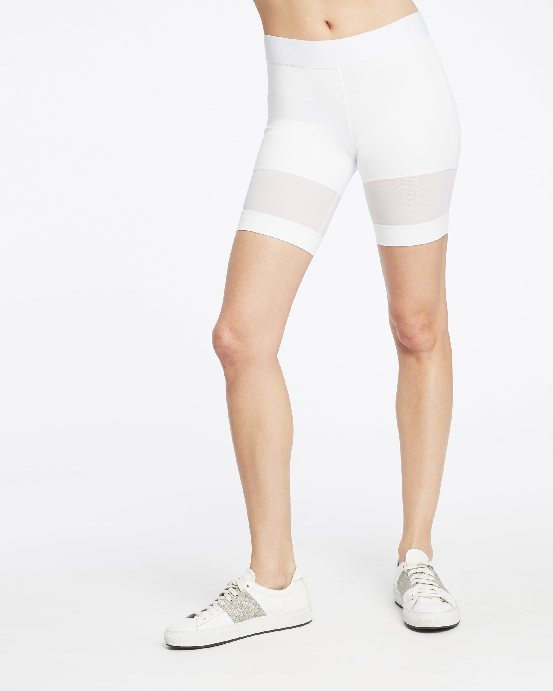 kinetic-short-white
