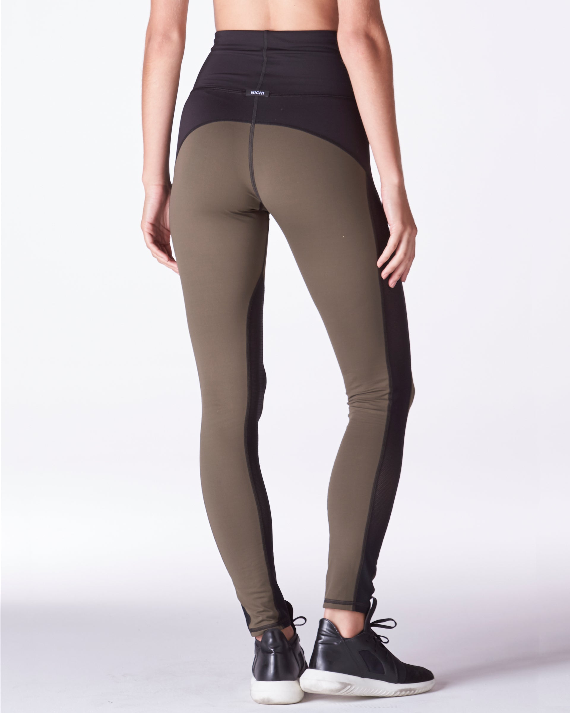 summit-high-waisted-legging-olive