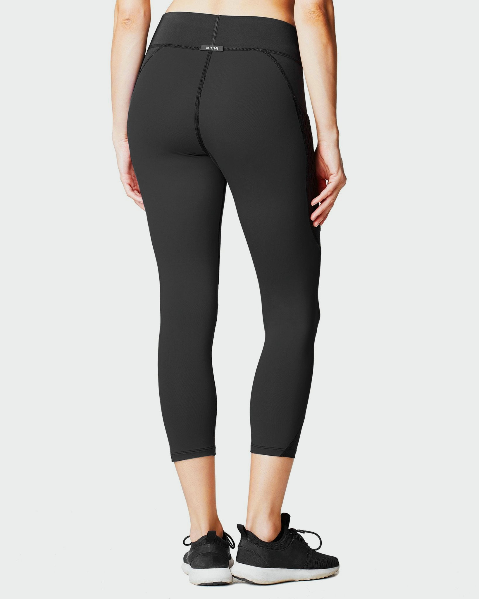 suprastelle-crop-legging-w-pocket-black
