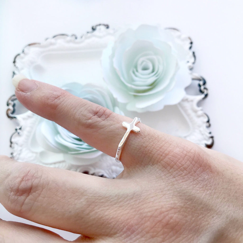 Dainty Cross Ring in Sterling Silver - Juliet Rose Boutique