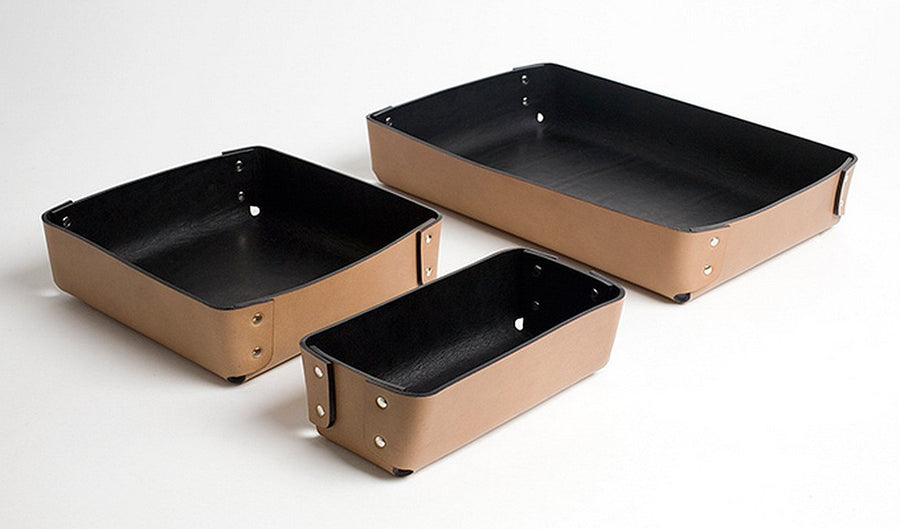 ATTILIO Rectangular Riveted Leather Tray by Claude Bouchard for Oscar Maschera - DUPLEX DESIGN