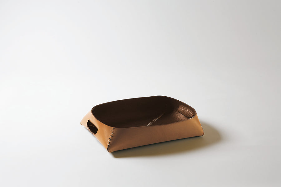 PHILIPPE Leather Tray by Claude Bouchard for Oscar Maschera - DUPLEX DESIGN