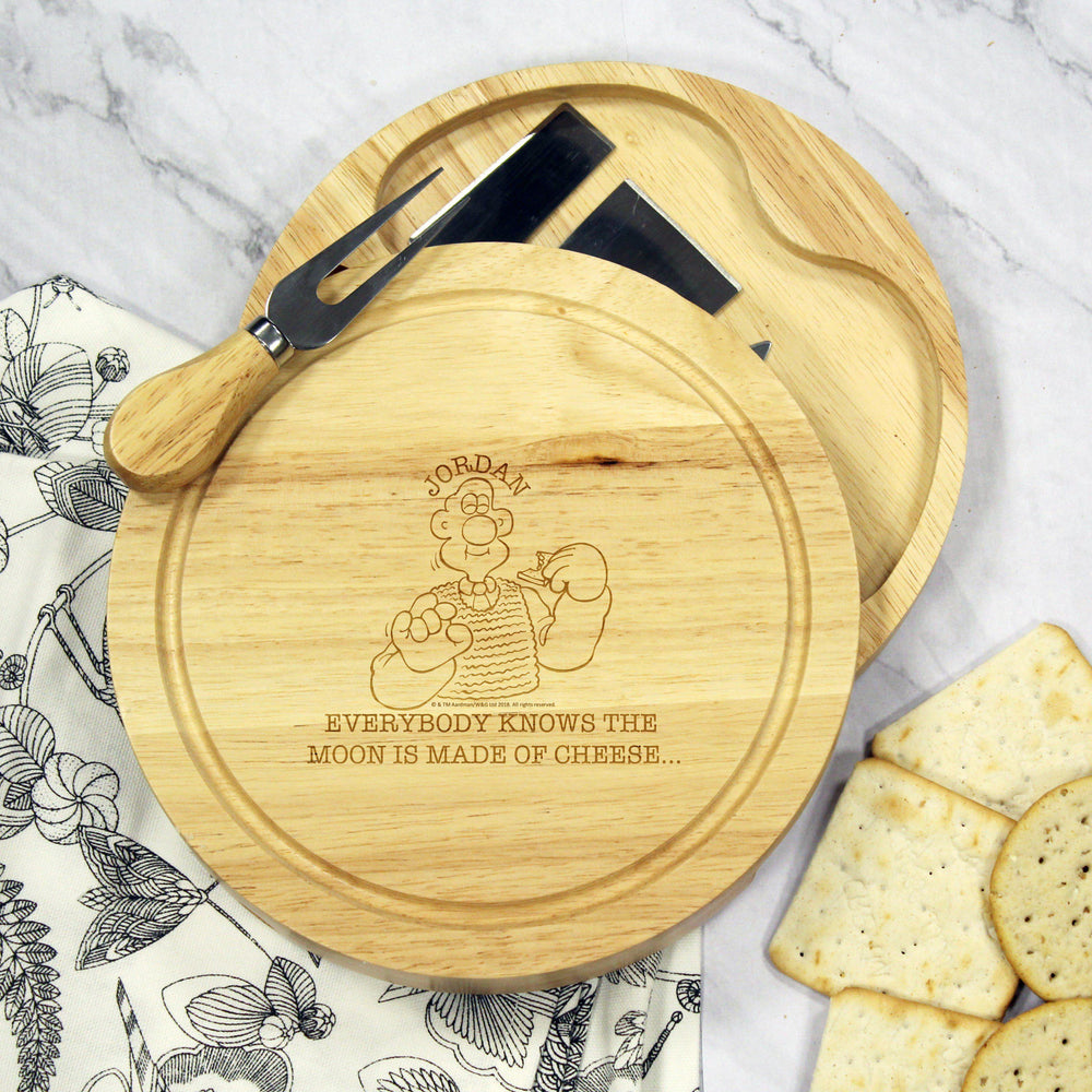 W & G 'Moon Made Of Cheese' Wooden Cheese Board & Knives Set