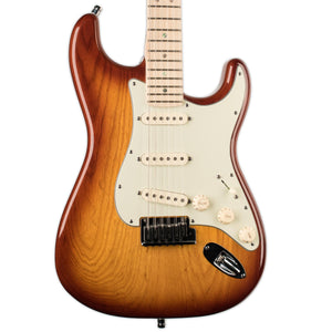USED FENDER AMERICAN DELUXE STRATOCASTER WITH CASE