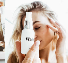 Wake Eye Gel Application Lifestyle Image