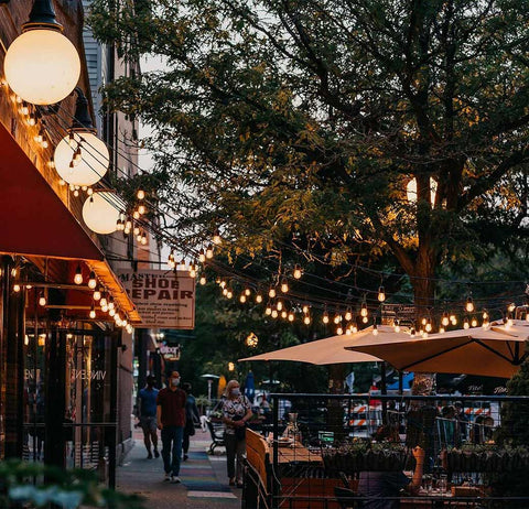 city lights in andersonville chicago