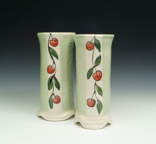 Marion Nehmer: Vase with Green Glaze and Berries