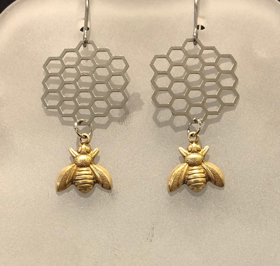 Green Mum Design: Honeycomb Gold Bee Earrings