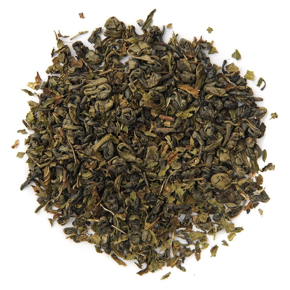 A pile of Organic Spearmint Green Tea.