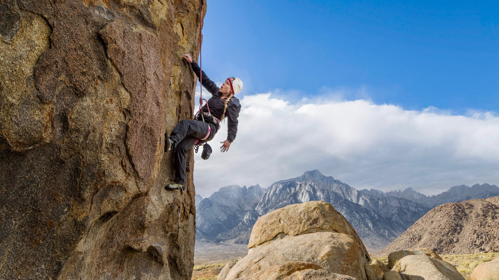 ROCK CLIMBING WOMAN - THE WILD ONES - WILDLAND ORGANICS