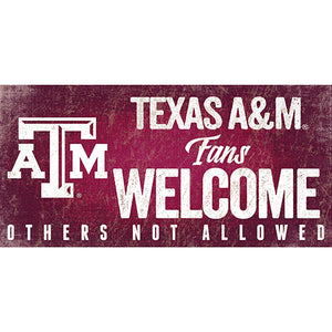 Texas A&M University Fans Welcome Sign