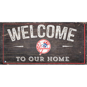 New York Yankees Welcome Distressed Sign