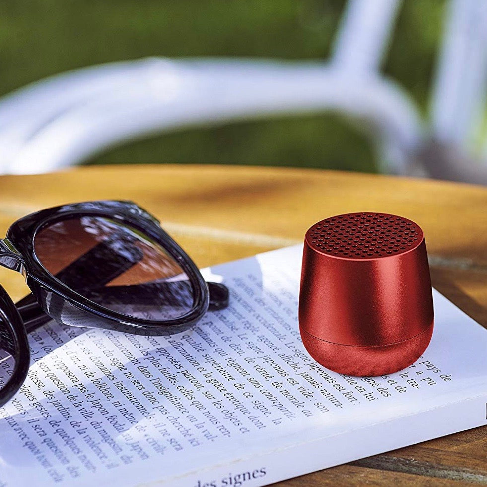 Ultra-portable bluetooth speaker in red