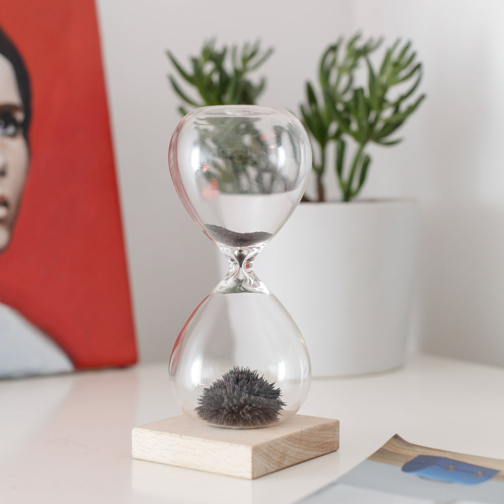 Magnetic Hourglass Timer Home KIKKERLAND - Brand Academy Store
