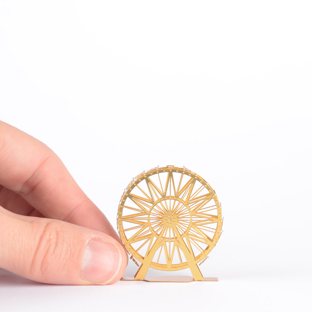Model Ferris Wheel Mini-onaire in Gold