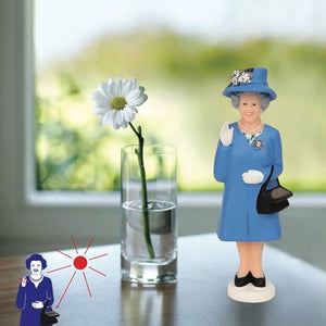Load image into Gallery viewer, Solar Queen Figurine Waving Derby Edition Blue