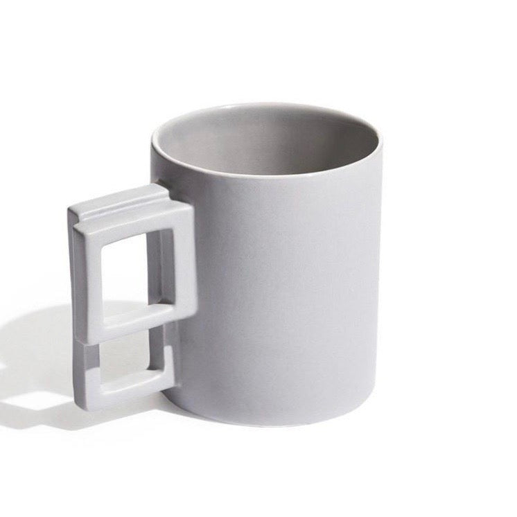 Geometric rectangle contrasting handle mug 'alfred' in light grey