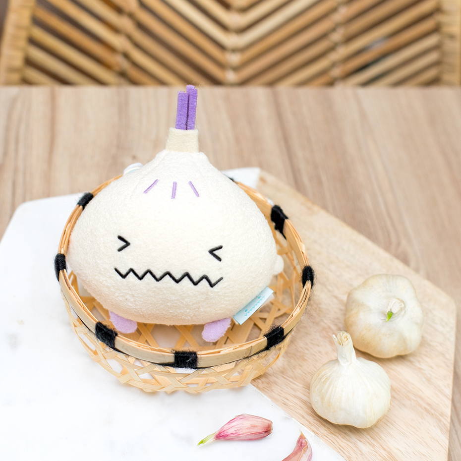 Load image into Gallery viewer, Garlic mini plush soft toy for children 'Ricegarlic' in cream
