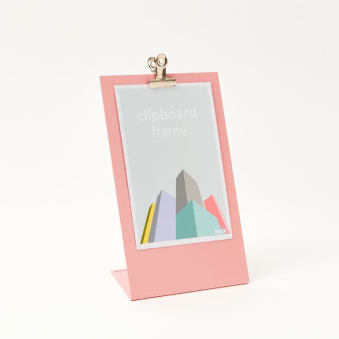 Medium clipboard frame in soft pink