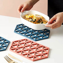Load image into Gallery viewer, Geometric Table Mats
