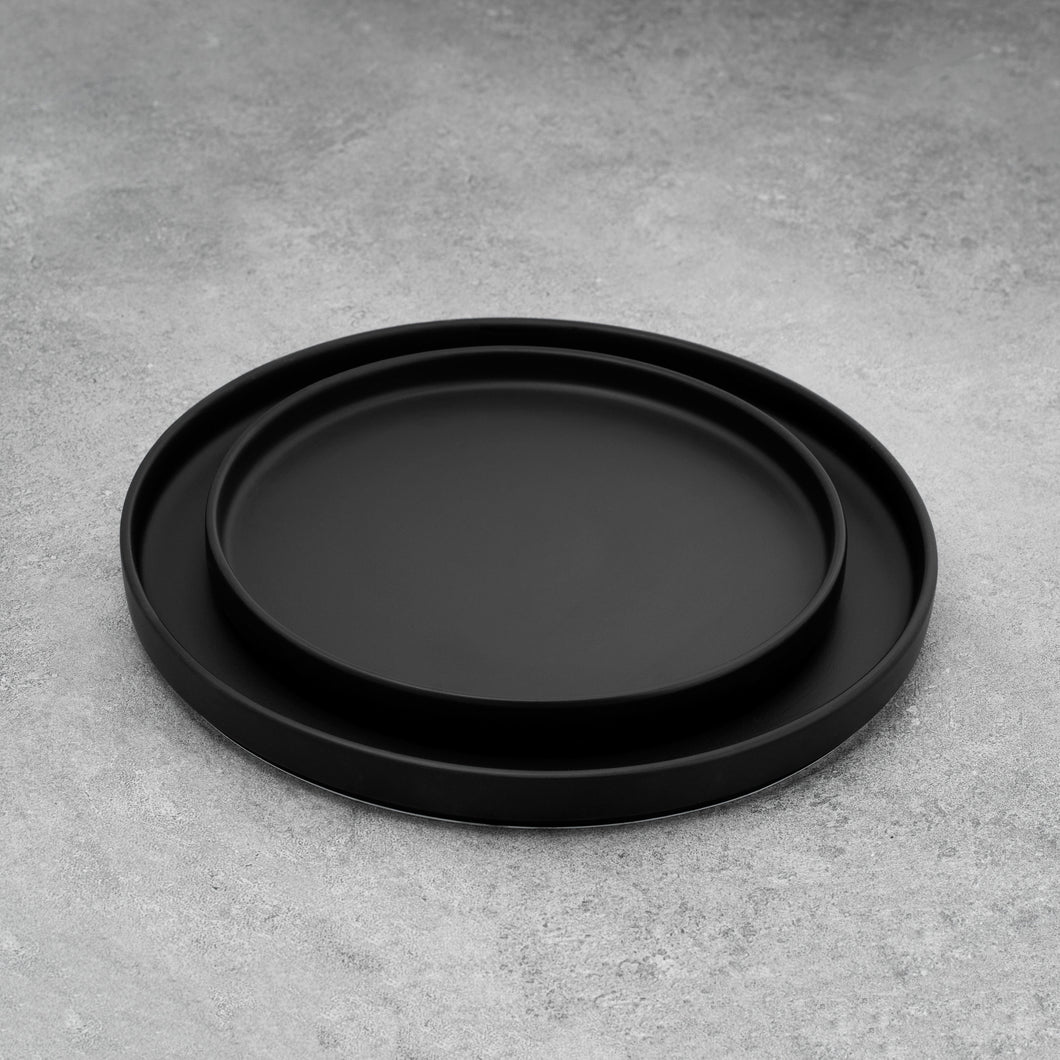 Simple Black Matte Plates Set of Two