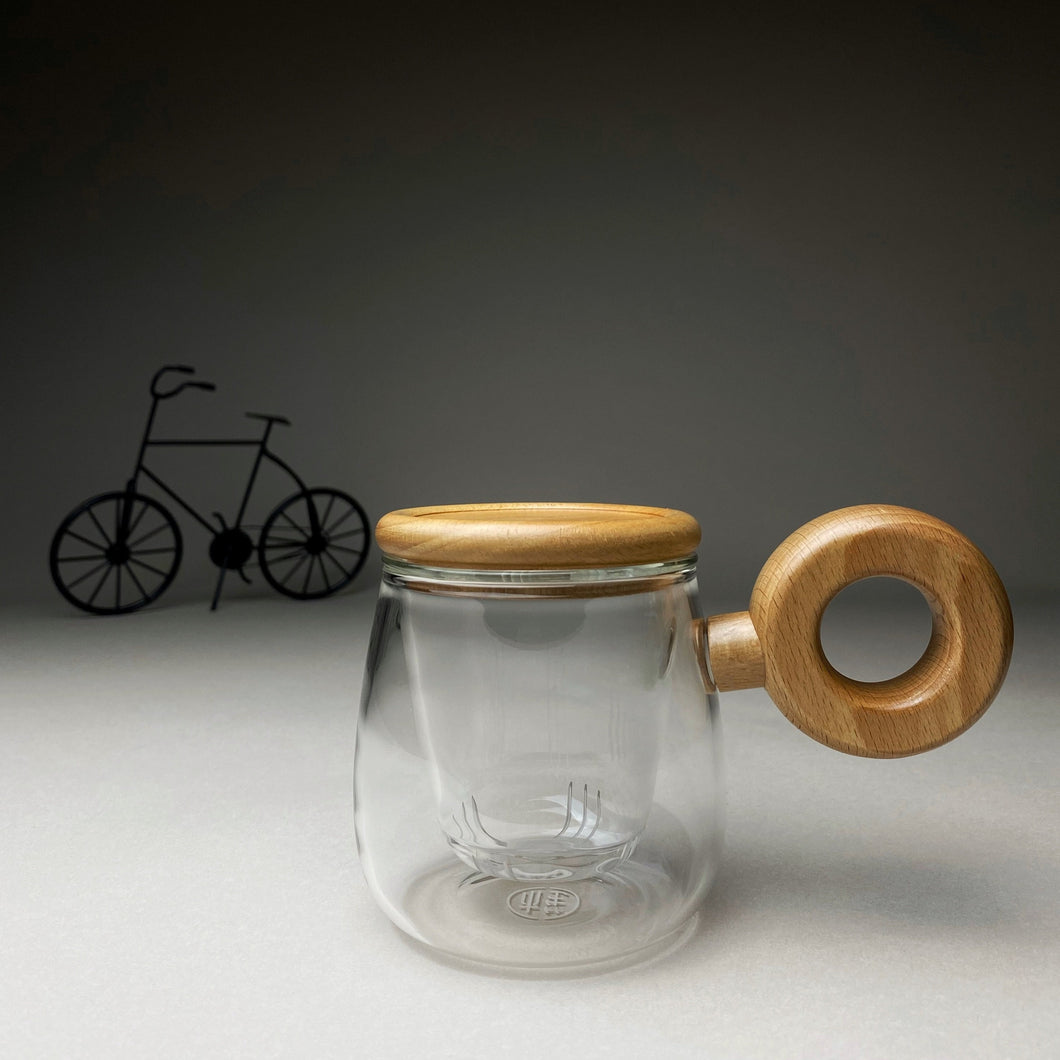 Circled Handle Inflated Glass Mug with Wooden Lid