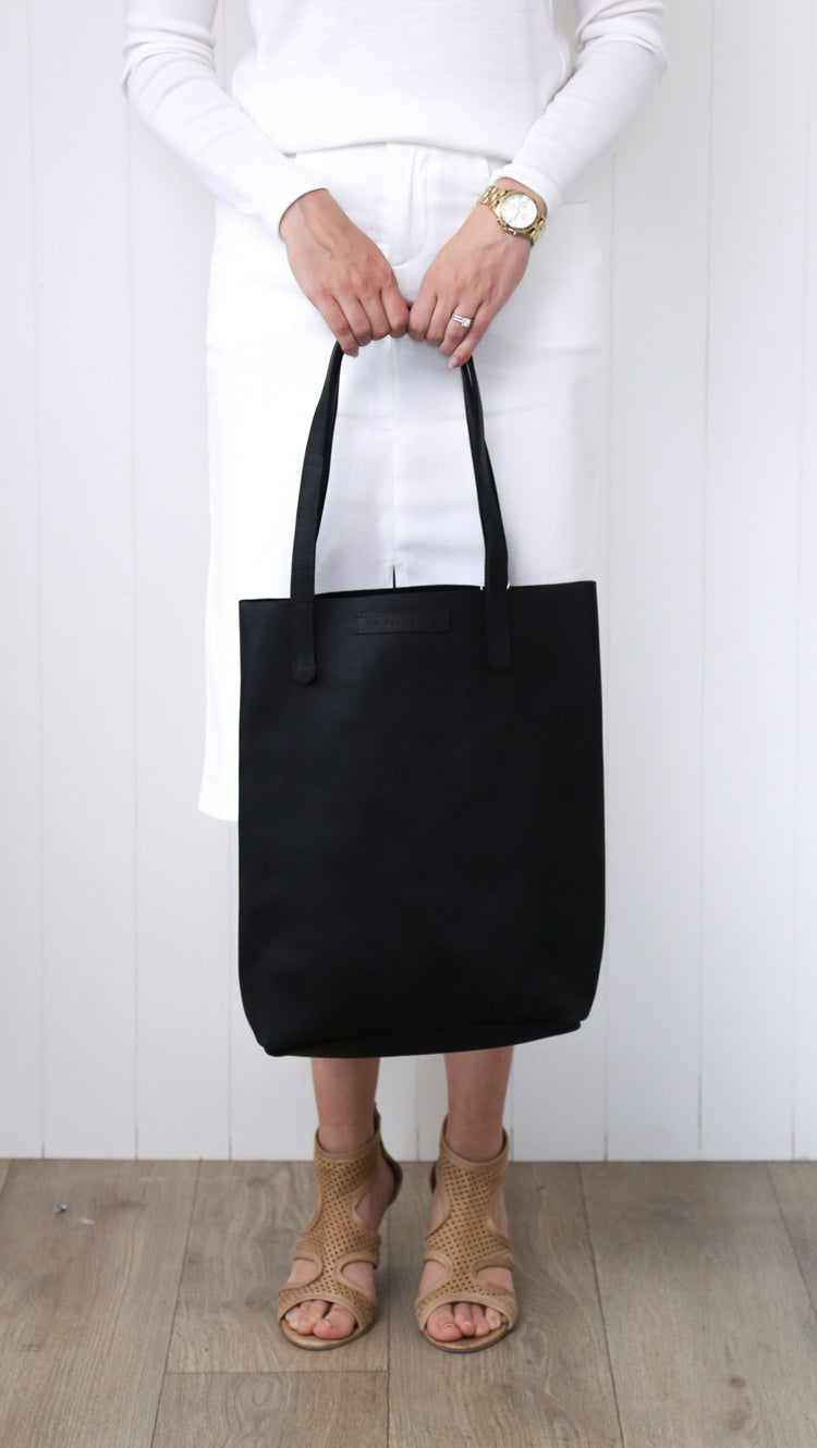 PW AB #18 Tote Bag - Black