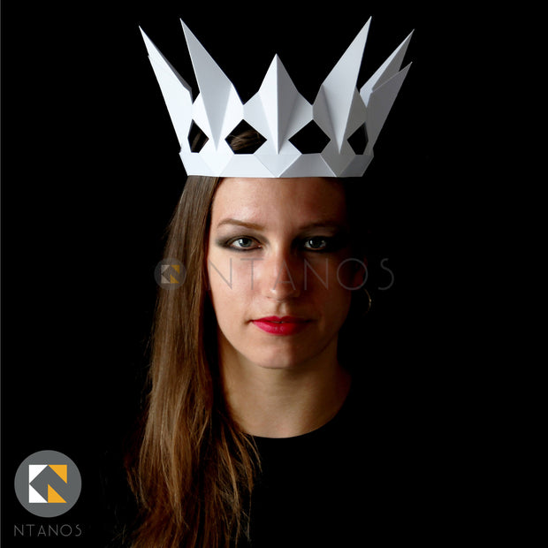 Geometric low poly papercraft crown of evil Queen Ravenna from Snow White by Ntanos