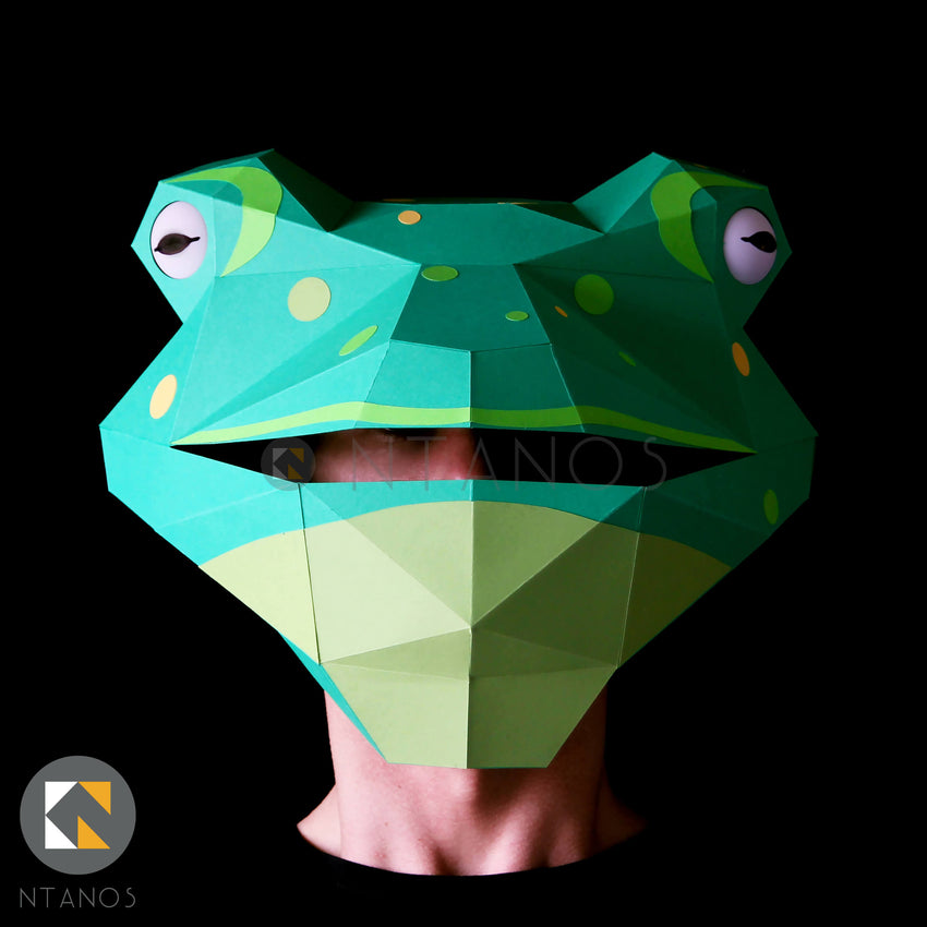 Low poly geometric Papercraft Frog Mask by Ntanos