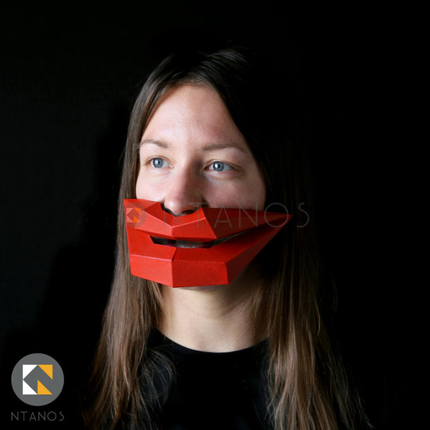 Low poly papercraft big lips by Ntanos