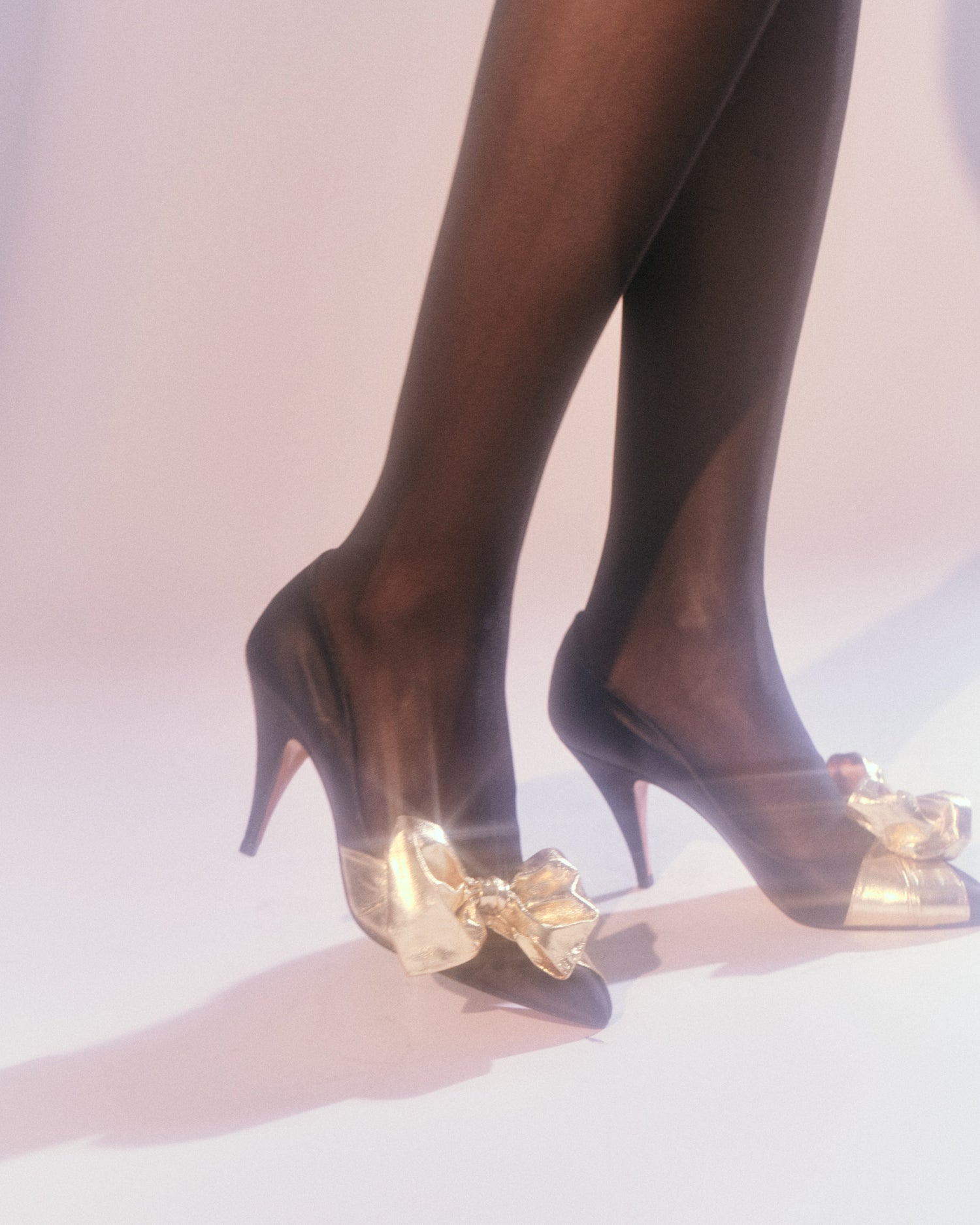 Touch & Go // Gold Bow Heels