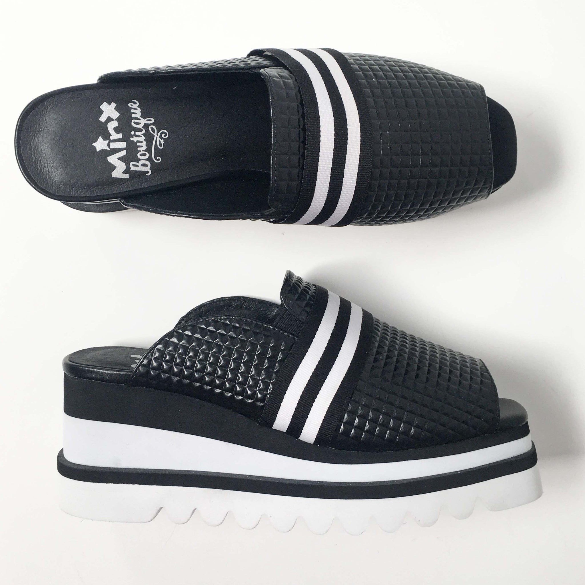 New Chill - Black Hex/White Stripe